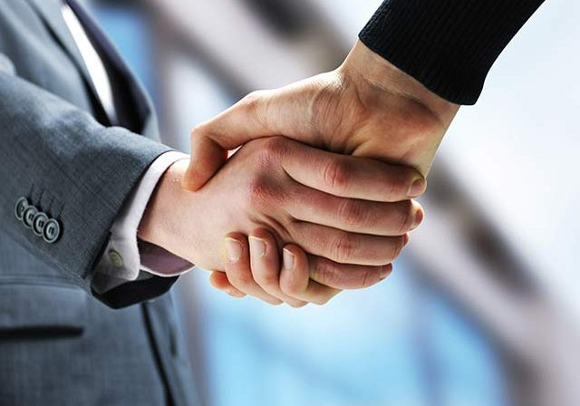 two-lawyers-shaking-hands-2